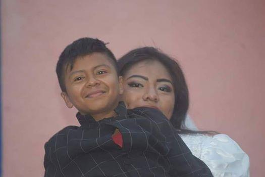 جوناثان مع حبيبته