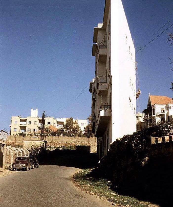 صور أضيق منزل في بيروت