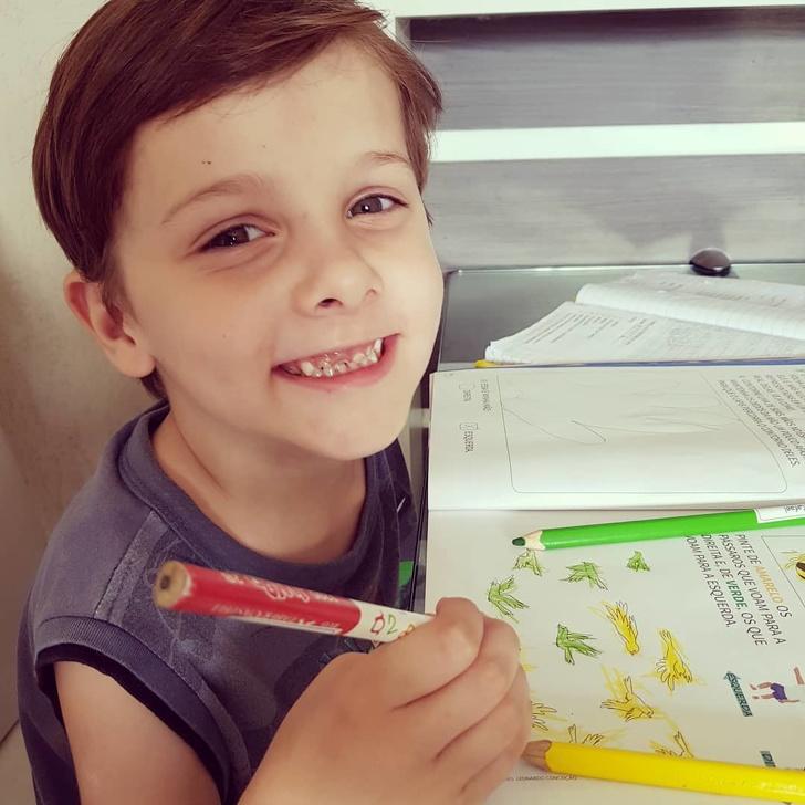 طفل برازيلي يتقن 9 لغات