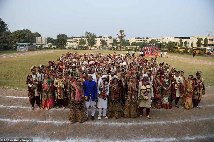 صور حفل زفاف جماعي في الهند