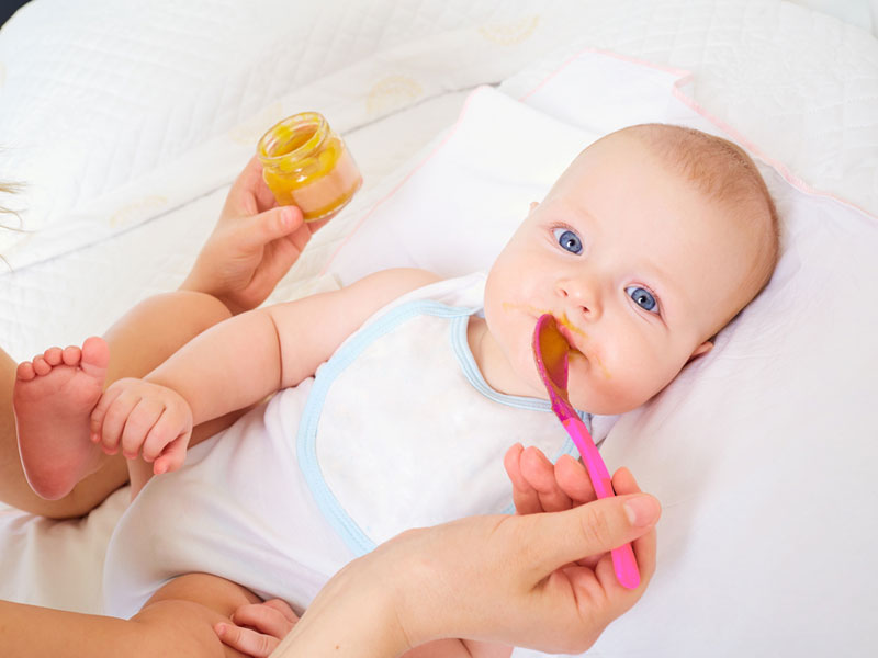 تغذية الرضيع