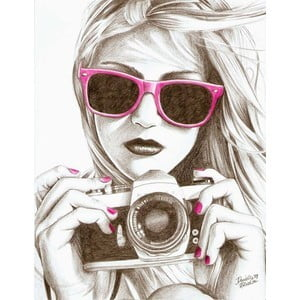 فتاة مع الكاميرا